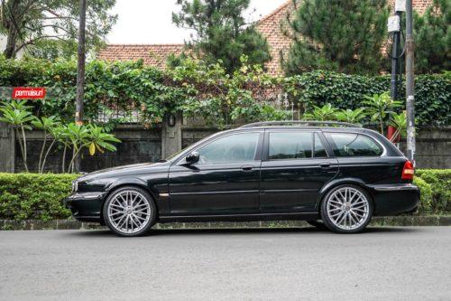 OZ_Racing-Italia150-5H-Matt-race-silver-diamond-cut-Jaguar-XType_1_x